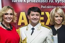 Ruský armádní soubor Alexandrovci zazpívá 16. října v českobudějovické Budvar aréně. Jeho hosty budou Helena Vondráčková a Michaela Nosková.