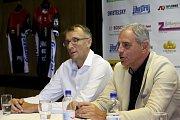 Prezident Jan Diviš (vpravo) a manažer Stanislav Pochop