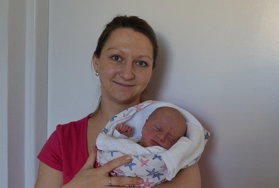 Rozálie Kramplová z Bečic u Týna nad Vltavou. Dcera Ireny a Václava Kramplových se narodila 3. 2. 2021 v 00.53 hodin. Při narození vážila 3200 g a měřila 49 cm. Doma ji čekal bráška Kryštof (2).