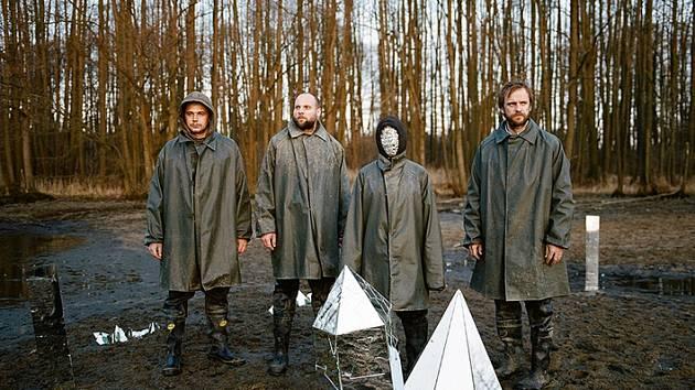 Táborská rocková kapela Please The Trees natočila za dva dny album Carp, které dokáže zhypnotizovat.