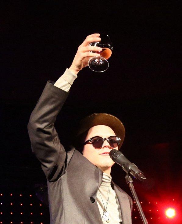 Skupina Pub Animals, jež získala Cenu Anděl, natočila nové album Fatherland. To se může klidně měřit se světovou konkurencí. Na snímku ze křtu alba v českobudějovickém Café Klubu Slavie zpěvák Štěpán Hebík.