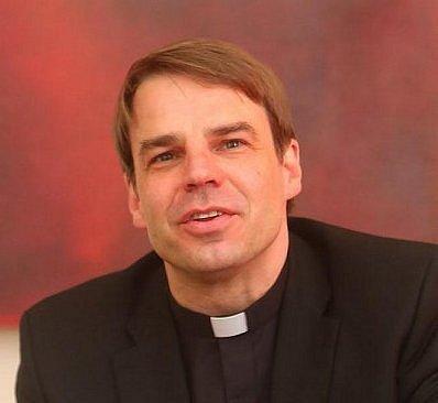 Biskup Stefan Oster.