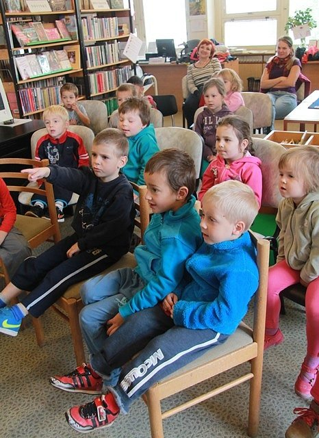 Týden knihoven v Českých Budějovicích.  Poprvé do knihovny na sídlišti Vltava zamířily děti z Mateřské školy Jizerská.