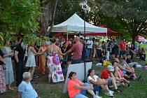 V sobotu čekalo návštěvníky Týna nad Vltavou i místní spousta piva a muziky. Foto: Miroslav Bžoch