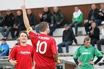 FK Borek porazil v zápase jara Chrášťany 5:3 a je krok od postupu do okresního přeboru.