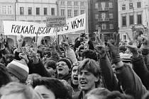 Manifestační stávka 27. listopadu 1989 v Českých Budějovicích.