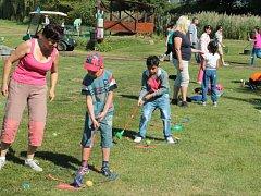Golf děti i jejich rodiče bavil