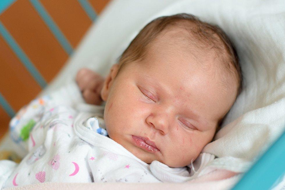 Michaela Krätzerová je maminkou novorozené Eleanor Šturmové. Na svět přišla 29. 2. 2020 v 11.35 h., vážila 3,82 kg. Poznávat svět bude v Záhořím.