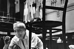 Národní muzeum fotografie v Jindřichově Hradci slaví 10 let a otevřelo 10 výstav, které potrvají do 30. září. Snímek národní umělec Václav Neumann při zkoušce, 1979.
