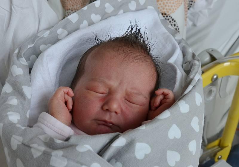 Sabina Božovská z Týna nad Vltavou. Dcera Jitky Říhové a Petra Božovského se narodila 4. 6. 2021 ve 23.20 hodin. Při narození vážila 3450 g a měřila 50 cm. Doma ji čekala sestřička Vanesa (5).