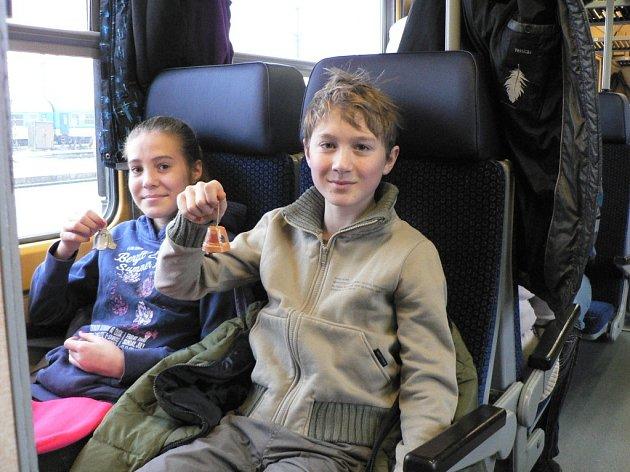 Jedni z mladších cestujících Petr a Kateřina Štětkovi.