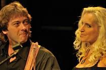 Na Folkové růži zahraje i skupina Devítka, na snímku Jan a Jindřiška Brožovi.