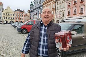 František Šůna dorazil pro výhru na centrální českobudějovické náměstí