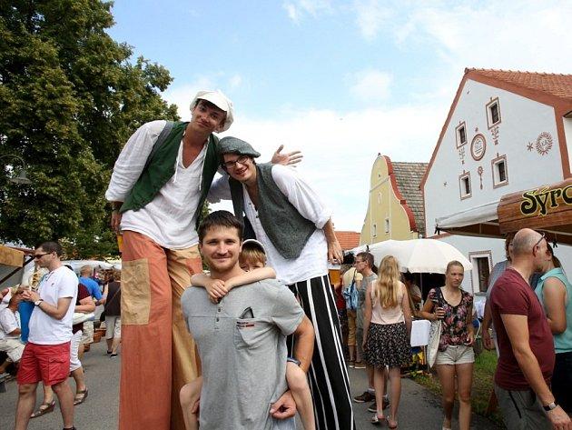 Podevatenácté se o víkendu konaly na návsi v Holašovicích tradiční Selské slavnosti.