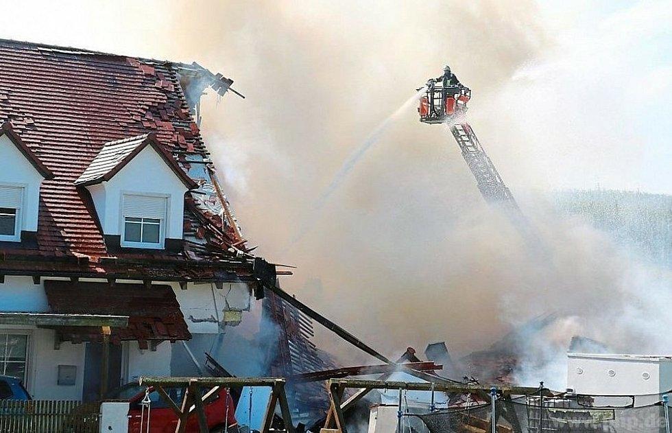 Dům po explozi musí strhnout.