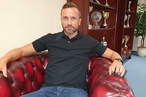 Tomáš Sivok ve své kanceláři.