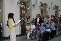 Oceněná místa obsadily i malé výtvarnice z Mateřské školy Nerudova: Karla Malinská, Tereza Kolářová a Nikola Kupská (na snímku zleva).