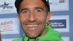Christian Auer absolvoval závod sólo.