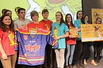 Studenti, kteří se účastnili projektu DOODPADU aneb Co do kanalizace nepatří, se setkali na vyhlášení vítězů.