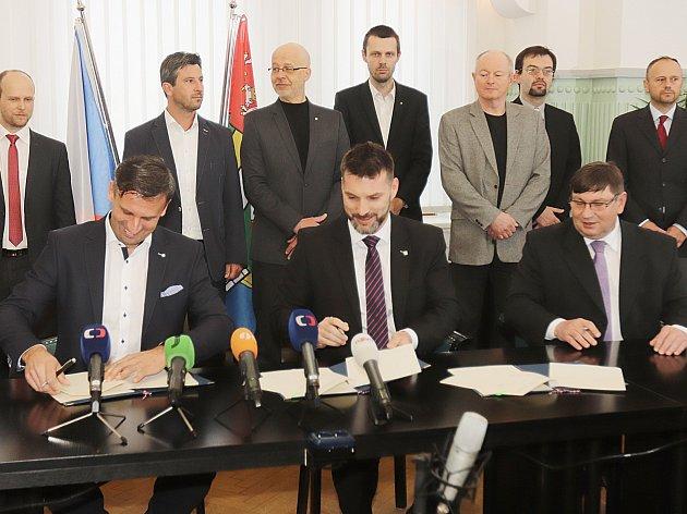 Ve středu 26. dubna byla podepsaná nová koaliční dohoda v Jihočeském kraji.