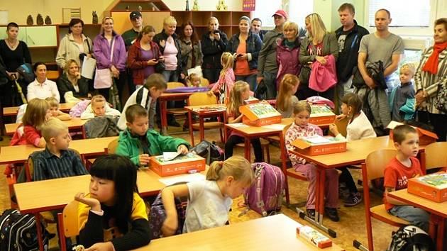 První školní den na ZŠ Bezdrevská.