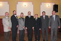 Rada města Týn nad Vltavou pro období 2010-2014. Starosta Milan Šnorek uprostřed.