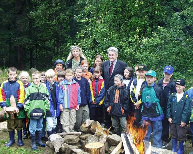 Lesní školu otevíral ihejtman Pühringer.