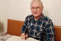 Kroniku obce Chrášťany vede od roku 2011 František Landa.