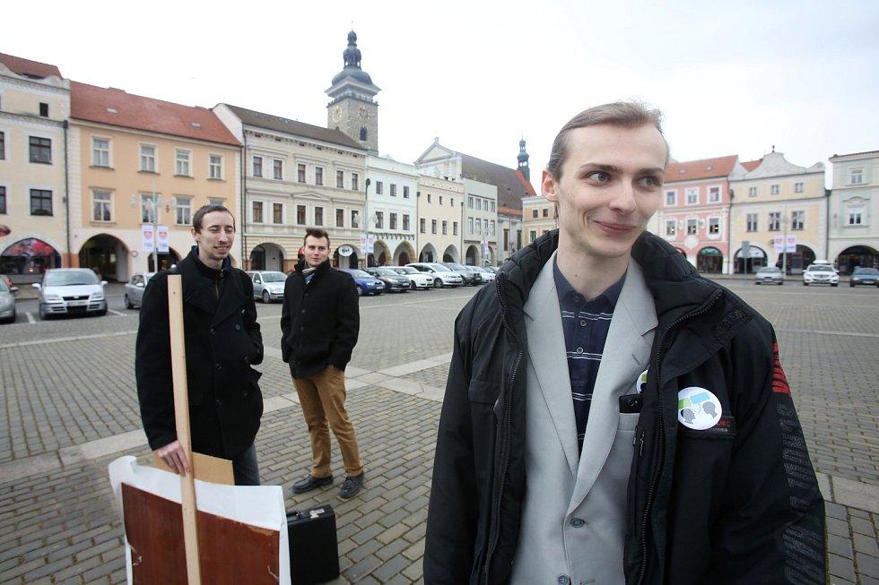Mladík z Prachatic, který v islámu vidí hrozbu, ale nesouhlasí zcela s iniciativou Islám v ČR nechceme, mluvil o své nové politické straně Humanisté