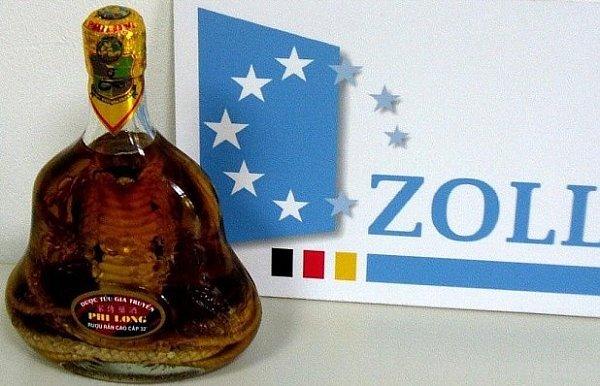 Suvenýr - kobra valkoholu…