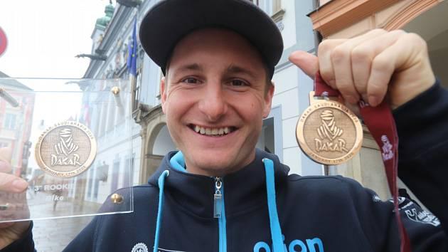 Martin Michek s bronzem za klasifikaci nováčků na Rallye Dakar.