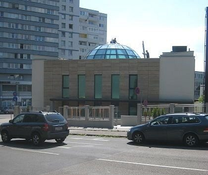 VLinci otevřeli vneděli mešitu.