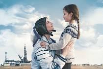 Proxima. Filmový festival se z Karlových Varů přenese i do českobudějovického kina. Nabídne třeba snímek Proxima.
