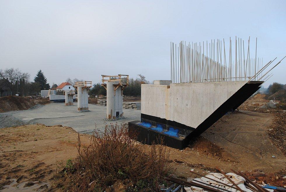 Výstavba D3 v ulici Ke Studánce v Hodějovicích.