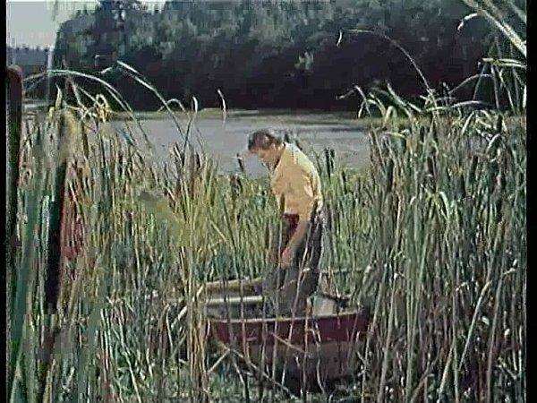 UŽíteče vznikla velká část exteriérových záběrů. Rybář vytahuje ryby včeřenu. Je to rybník Blato? Velká černá?