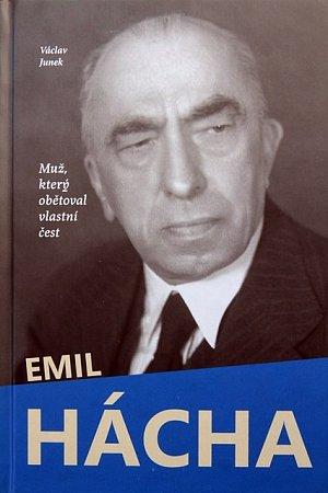 Muž,  který obětoval vlastní čest je podtitul knihy.