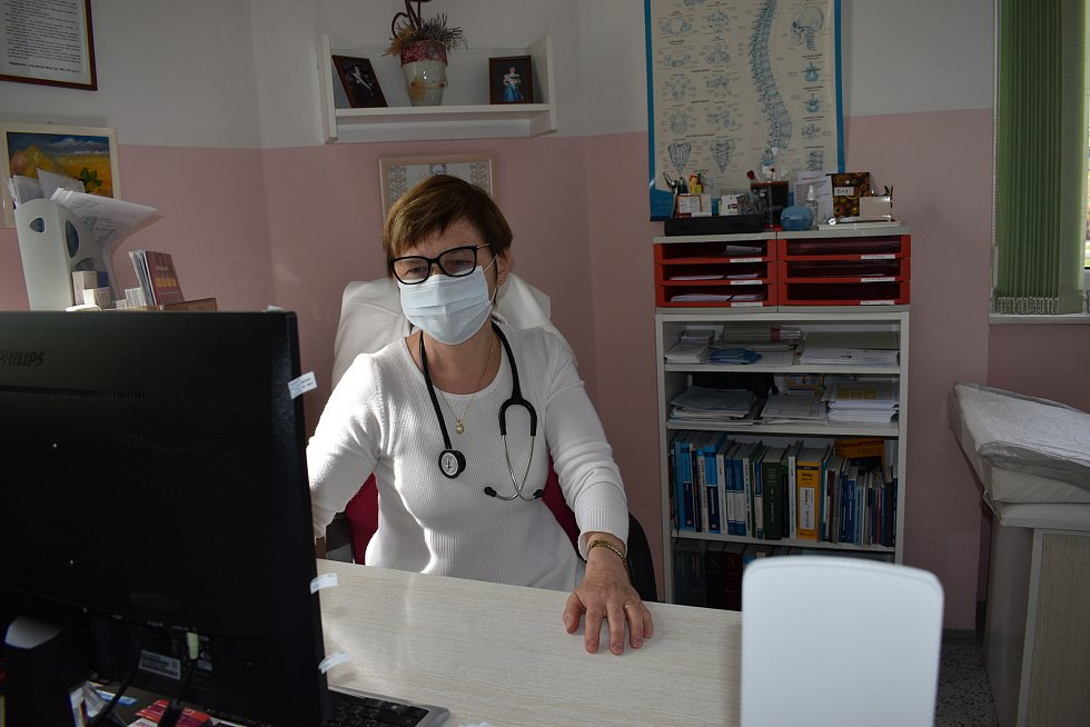 Praktická lékařka Jaroslava Augustovičová z Ševětína ordinuje i v době koronaviru.