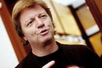 V Českých Budějovicích začnou 15. února 2014 Dny slovenské kultury. Jedním z lákadel je divadelní komedie, v níž hraje mj. Maroš Kramár.