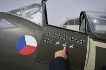 Václava Šmidrkal připravil edici knihy Na všech frontách boj, v níž svá deníková svědectví podávají dva piloti RAF. Ilustrační snímek.
