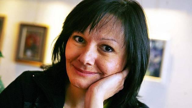 Redaktorka kultury Pavla Kuchtová je v rozhlase viditelně i slyšitelně spokojená.