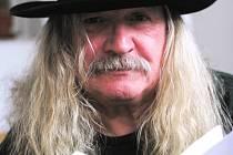 I.M. Jirous je držitelem literární ceny Jaroslava Seiferta za celoživotní básnické dílo a ceny Toma Stopparda za dílo Magorovy labutí písně.