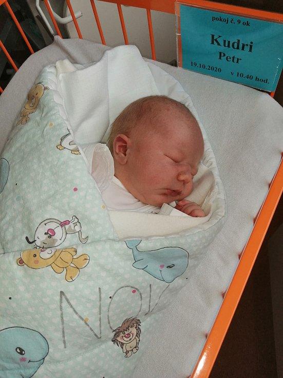 Šťastnými rodiči jsou manželé Dita a Petr Kudri. Těm se 19. 10. 2020, na maminky narozeniny, narodil syn Petr Kudri. Váha po porodu ukazovala 3,91 kg.