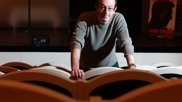 Petr Zelenka napsal pro Jihočeské divadlo hru Job Interviews.