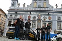 Tým LS Racing na českobudějovickém náměstí Přemysla Otakara II