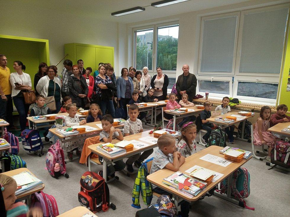 Noví žáci 1.B na základní škole Emy Destinové v Českých Budějovicích.