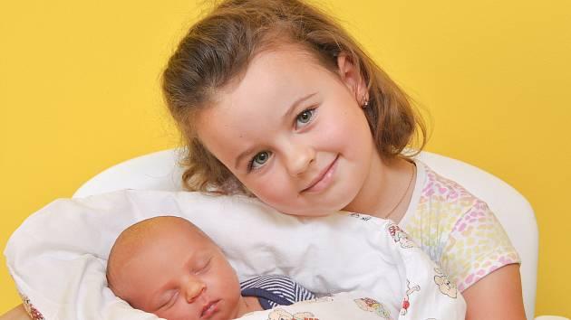 Jonáš Košťál z Českých Budějovic.Rodiče Eva a Filip Košťálovi mají velkou radost z narození syna, který přišel na svět 11. 7. 2021 v 0.46 hodin. Jeho porodní váha byla 3540 g. Chlapeček bude vyrůstat společně se sestřičkou Julinkou (4).