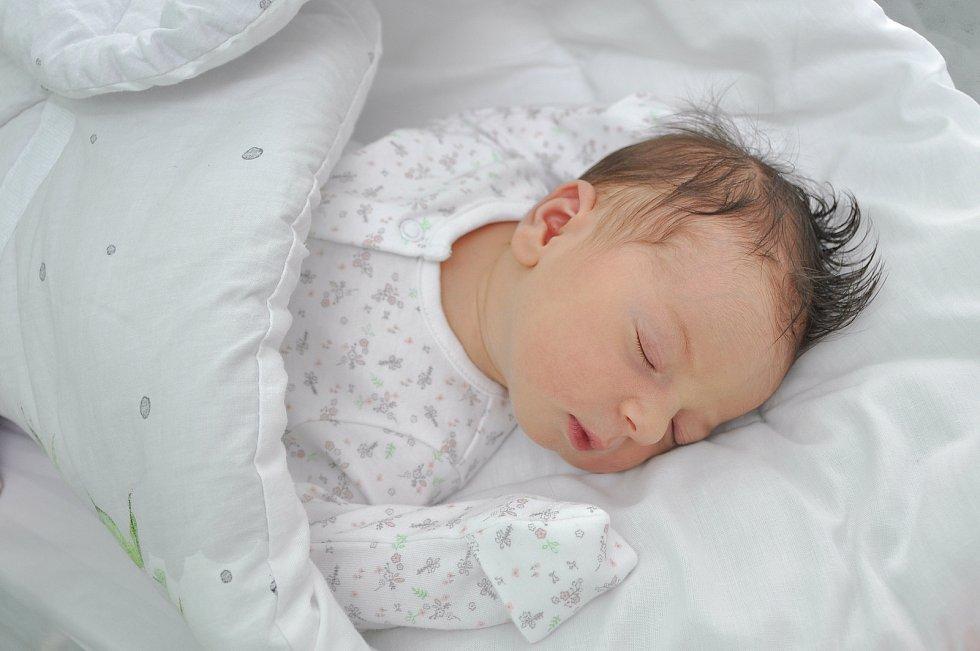 Eda Butnaru z Horažďovic. Eda se narodila jako prvorozená 21. 7. 2021 v 16.26 hodin. Při narození vážila 3750 g.