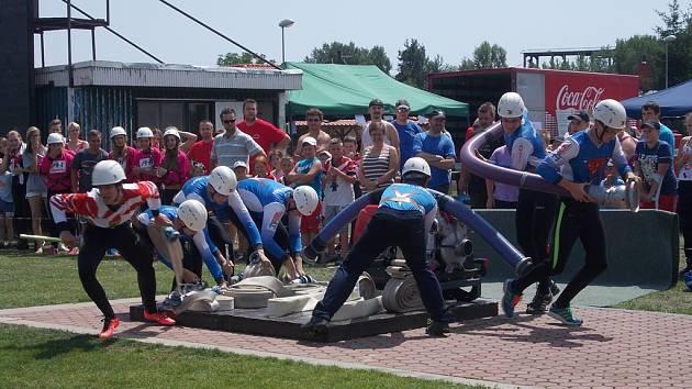 Na dětské soutěži spolu v Lišově zápolili mladí hasiči.