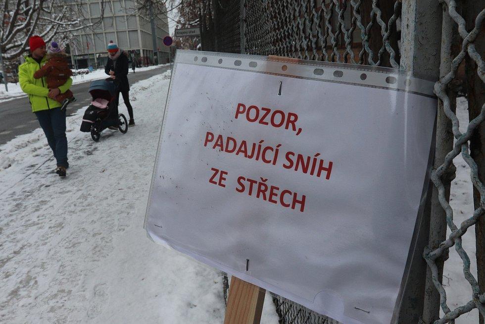 Cedule varující před sněhem v ČB