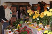 Výstava chryzantém na tvrzi Žumberk.